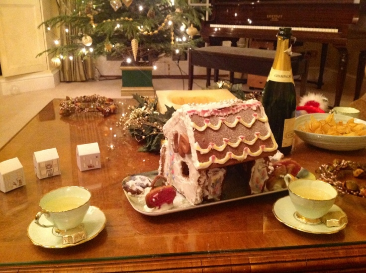 gingerbread and Champagne... Festive!