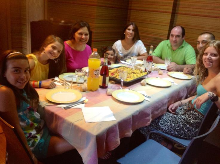 Galicia family dining