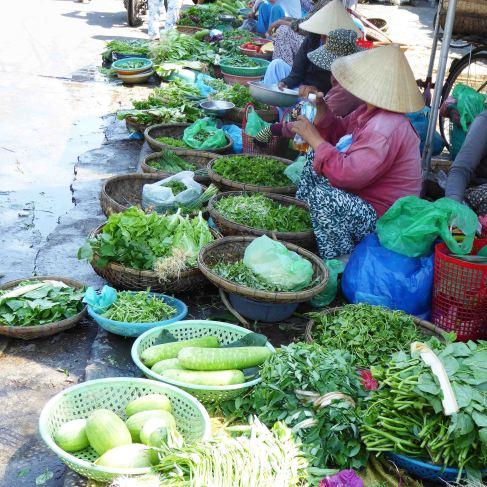 hoi an market herbs